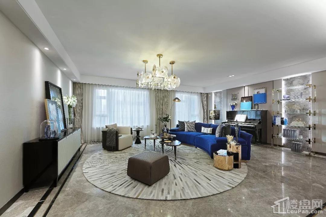 中海半山华府洋房155平4室2厅2卫厨客厅