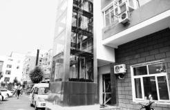 通州首部老楼装电梯投入运行