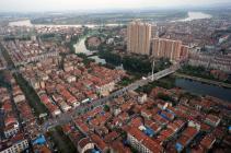 专家访谈:调控房价核心问题是土地供应的增加