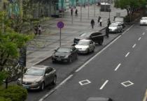 广州中心六区数十条道路开展泊位标线施划