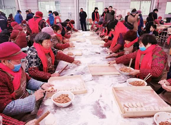 孝心饺子宴 600位老人吃出幸福味