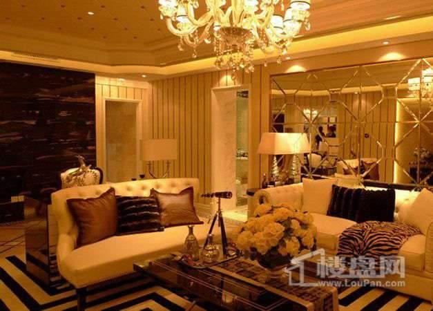 金地紫云庭高层标准层三室户型样板间客厅