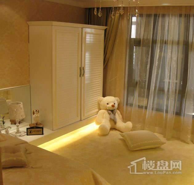 雲锦世家高层标准层五室户型样板间儿童房