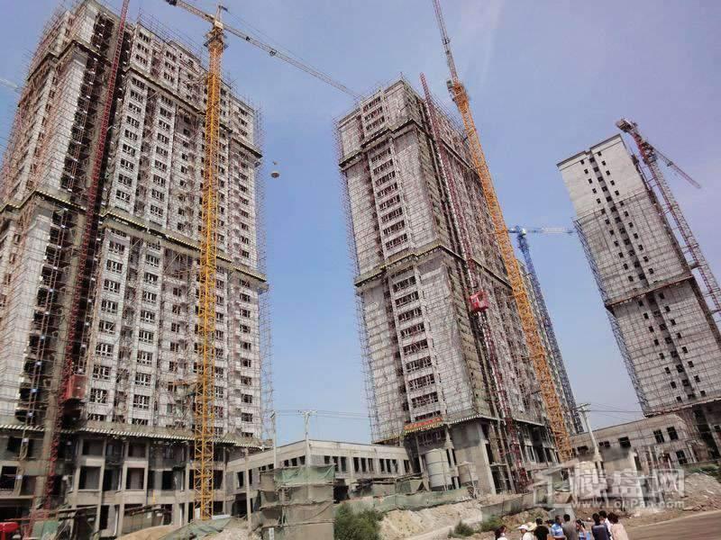 红星城项目高层封顶实景图(2012-7-17)4