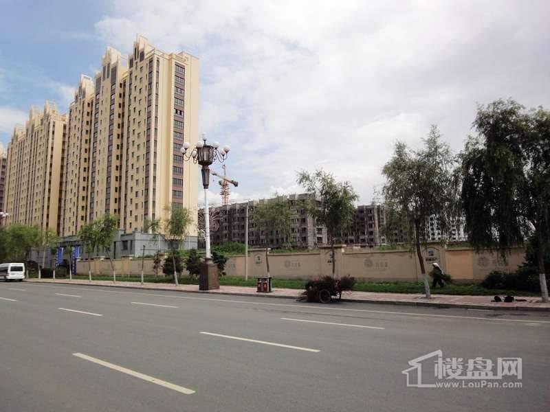 海富城项目工程外景图(2012-7-4)