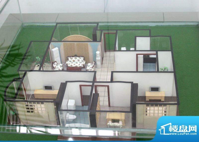 翡翠城A4户型 4室2厅面积:139.00平米