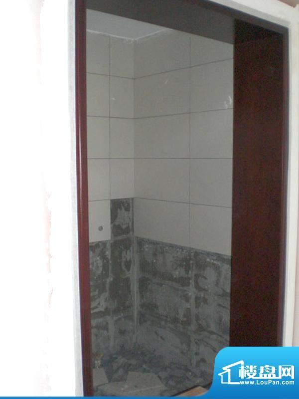 钓鱼台山水温泉度假小区17号楼卫生间窗