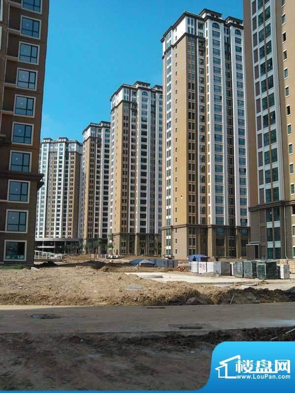 凤凰山庄小区内部道路修建实拍20120829