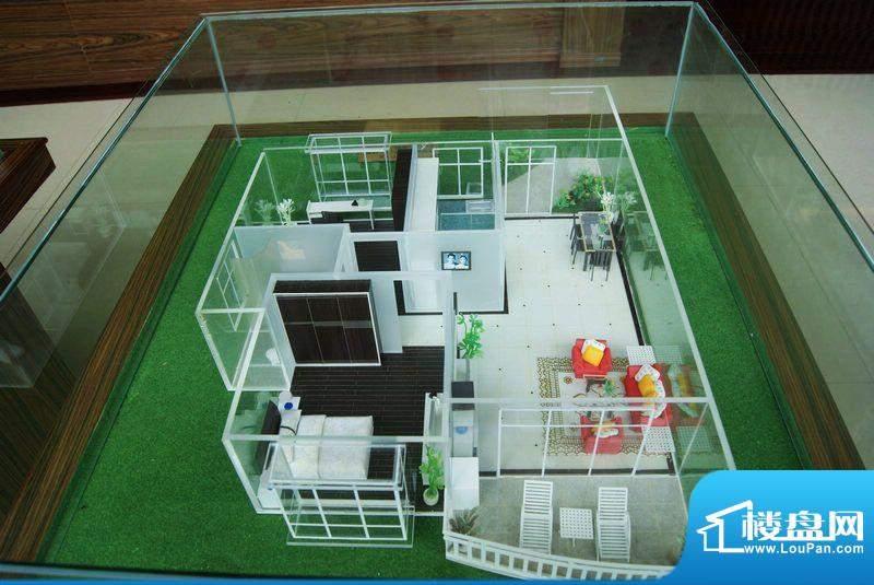 福隆广场三期海福湾二房二厅户型模型图
