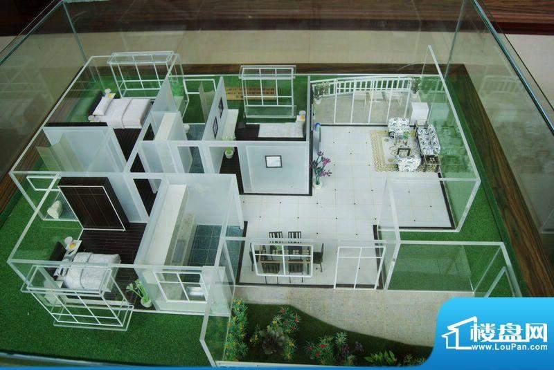 福隆广场三期海福湾三房二厅户型模型图