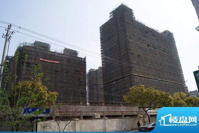 融信滨港花园外景图(2011.04.13)