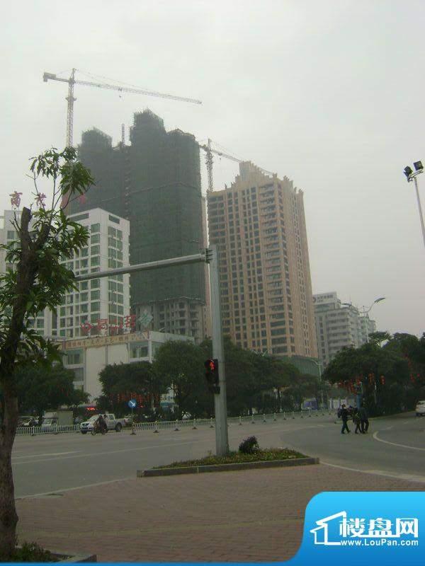 瀚海尊爵项目北海大道与广东路交汇处外