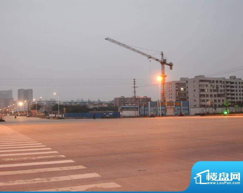 金领阳光小区傍晚外部实景20110219