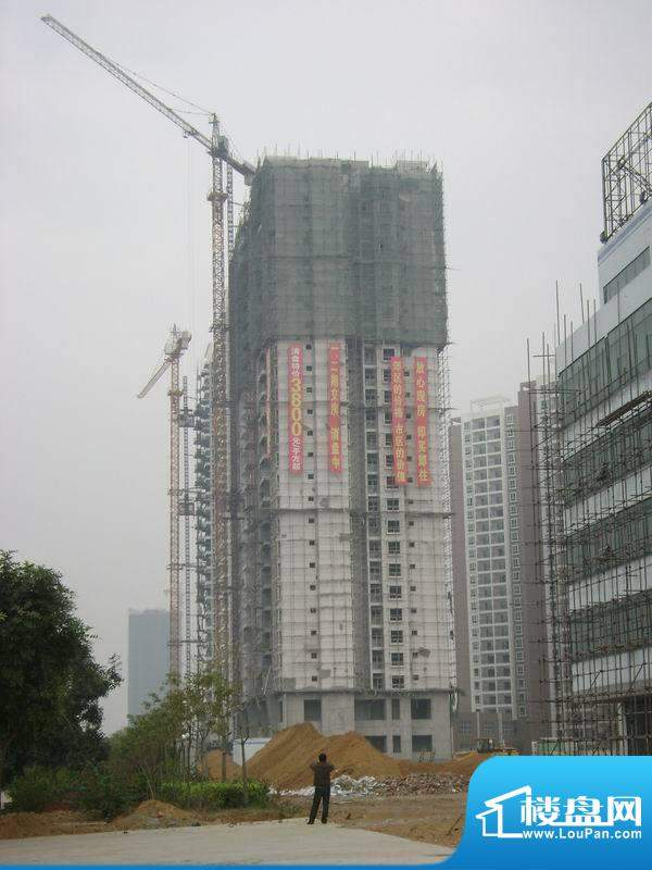 东峰广场楼盘施工实景20101222