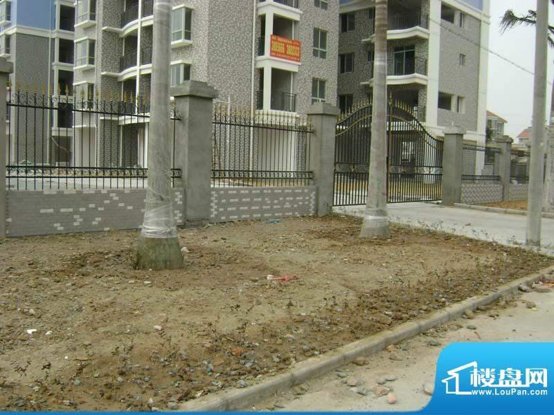 银滩融鑫苑小区1-2号楼门口实景2011012