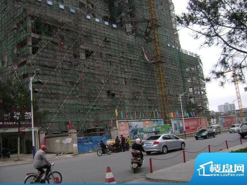 昌旭·璟苑小区门口实景20110213