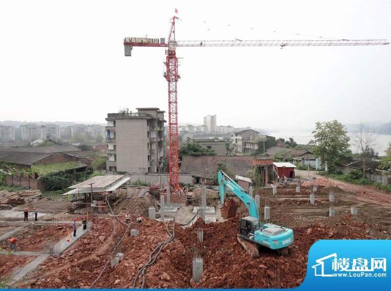 鹭岛国际社区楼盘地面基础建设中(2011