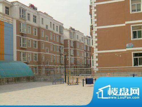 书香华庭小区广场2