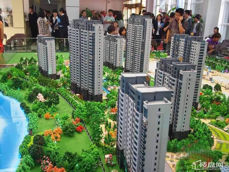 城市之星项目沙盘实景图(2012-09-22)