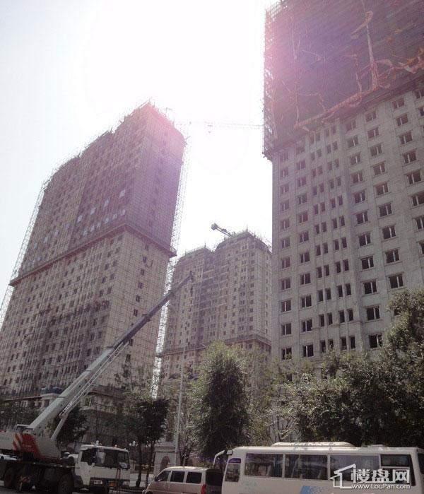 天悦高层沿街实景(2012-8-6)