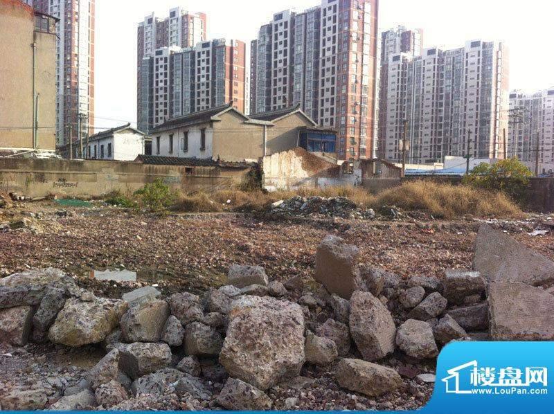 汇鸿商务广场实景图项目开始施工2012.1
