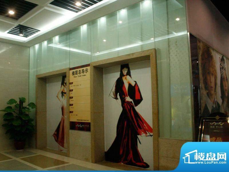 南昌华南城实景图1号交易广场展示区电梯