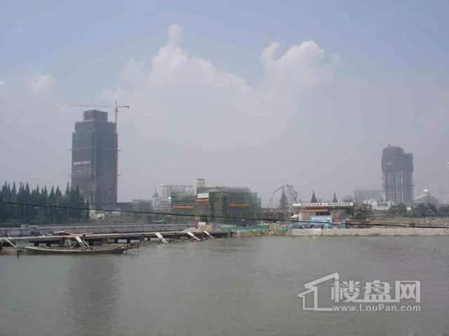誉珑湖滨实景图