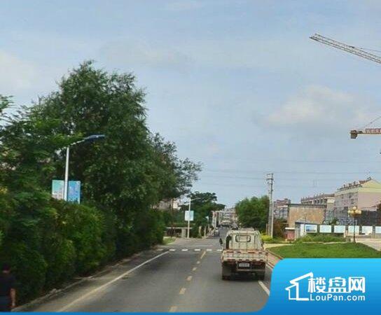 彩凤山城小区