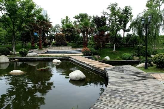 卧龙丽景湾实景图