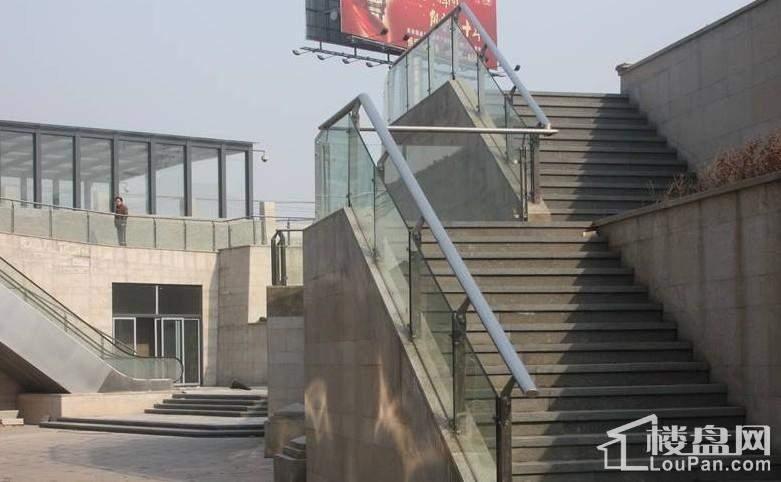 东贸广场实景图项目—楼座
