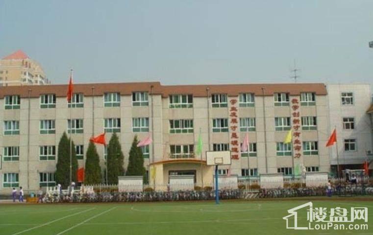 中建国际港周边小学
