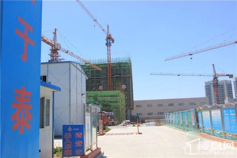 金玉豪庭实景图高层楼体施工(20140529)