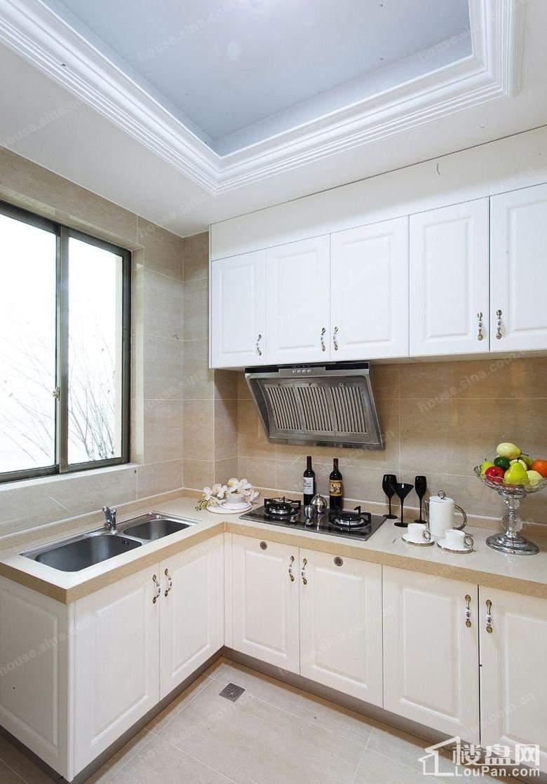 十二平方厨房设计图片