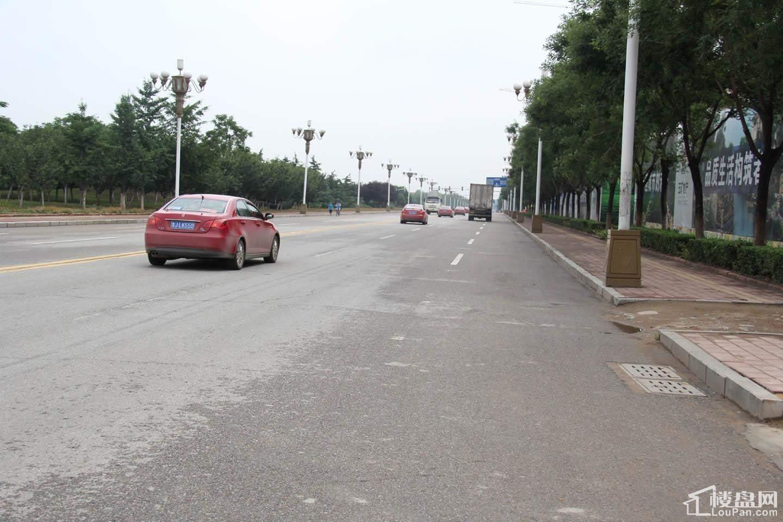 项目便利的交通-正阳门大街