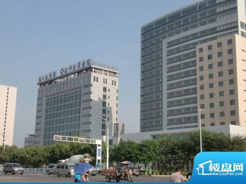 新地城市广场周边配套实景图