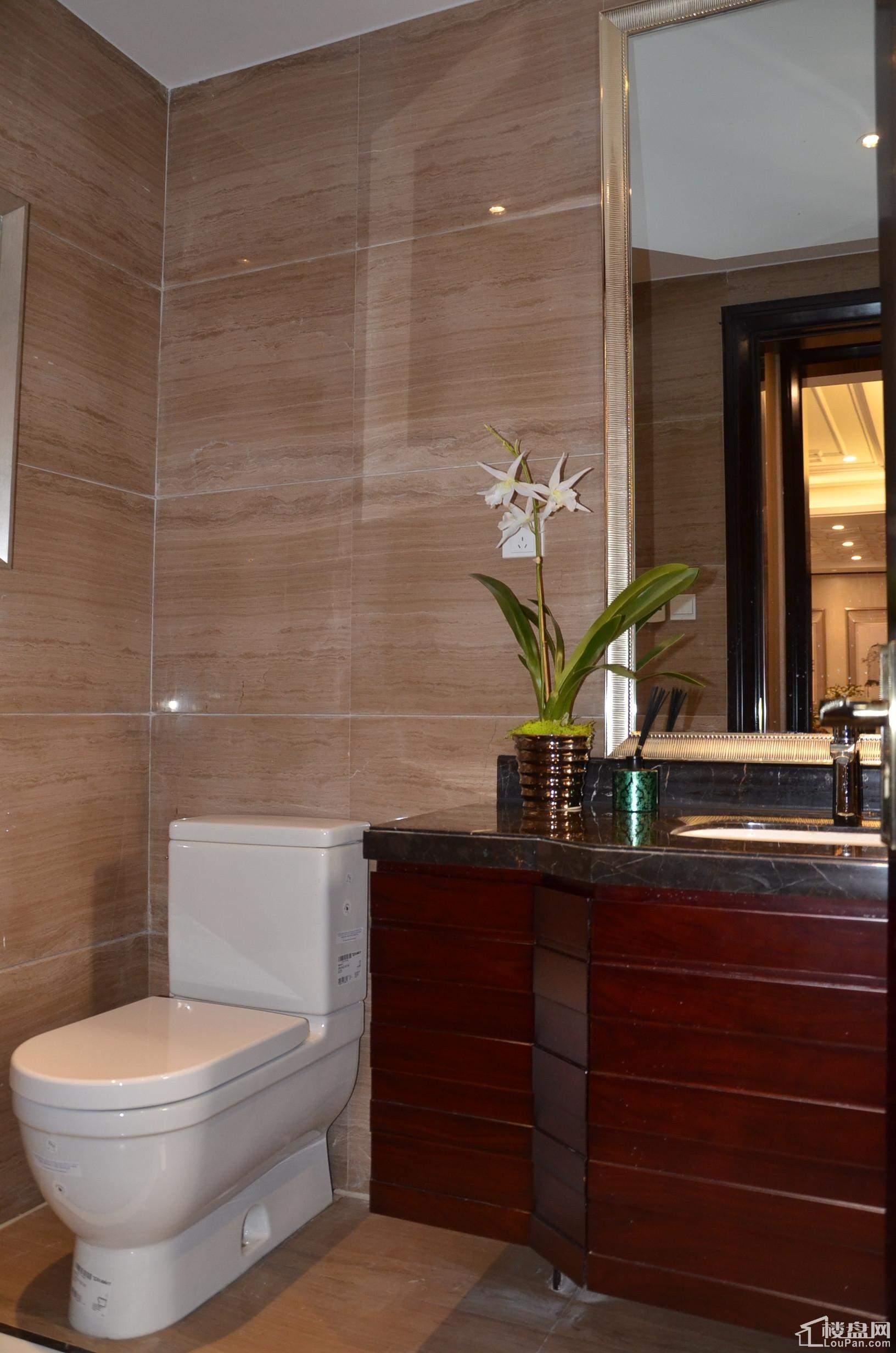 合院小墅地下层洗手间