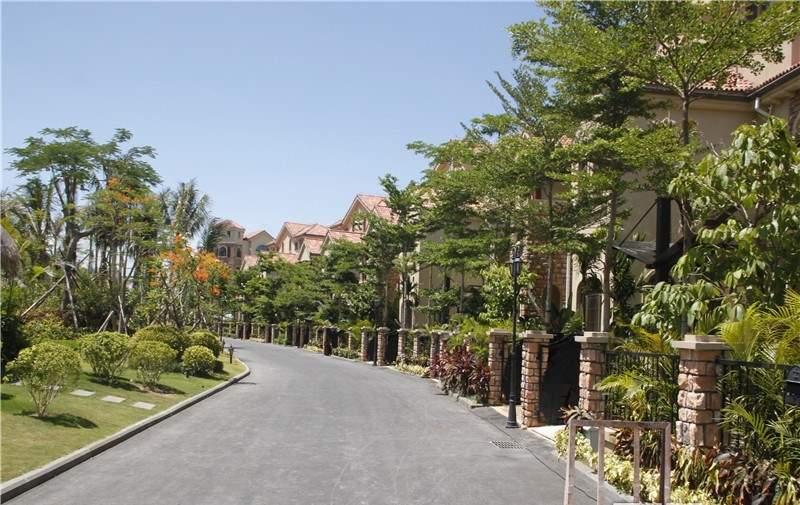 亚龙湾翡翠谷
