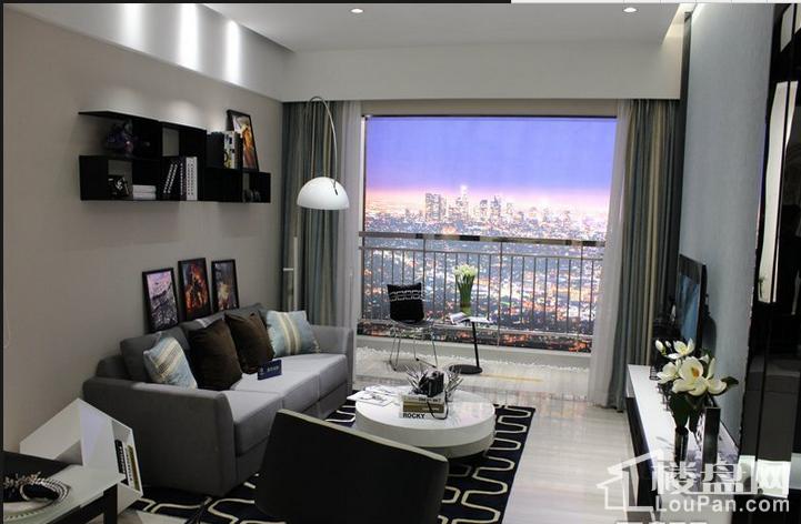 伟业华誉豪庭B户型74㎡客厅