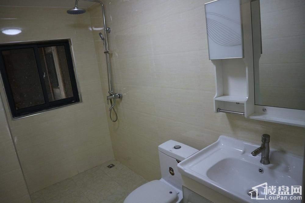 139.74㎡户型四房两厅卫生间