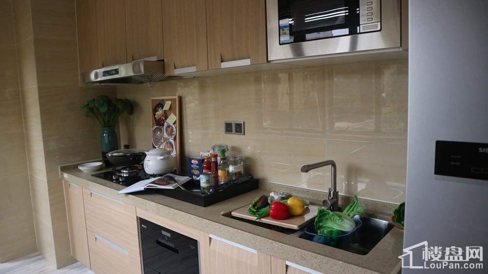 05户型18#4房2厅2卫113㎡-厨房