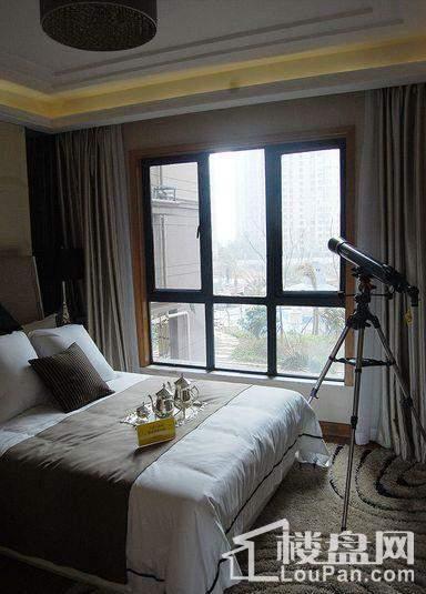 B户型卧室