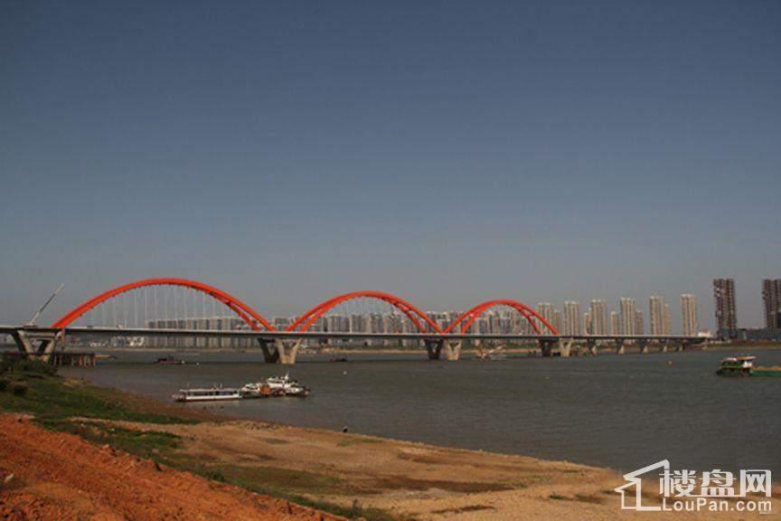 中铁西江悦周边福元路大桥