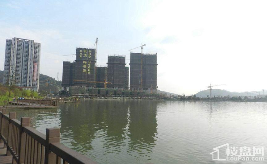 佳兆业云顶梅溪湖实景图