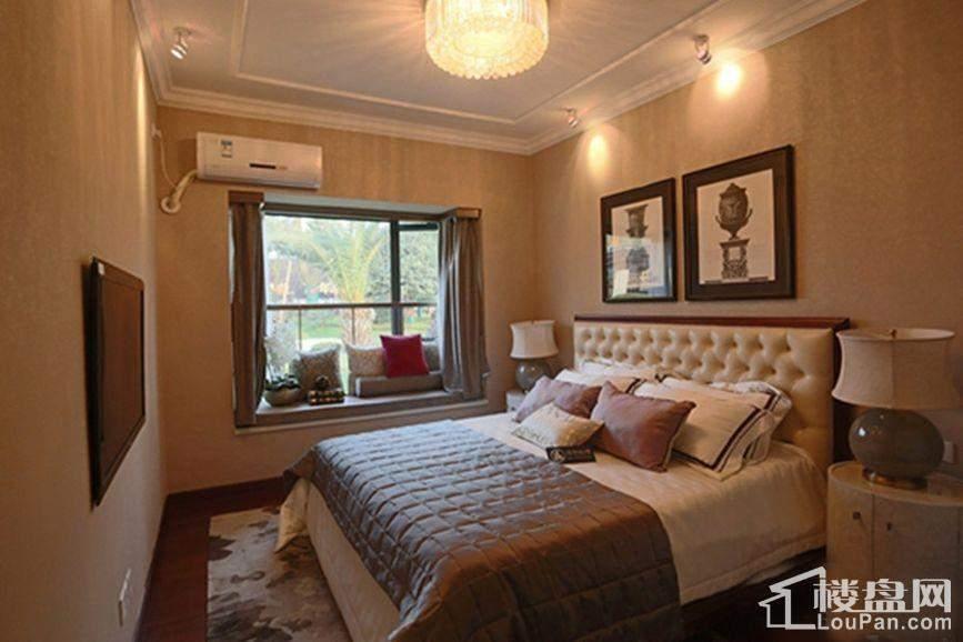 恒大国际广场样板房卧室