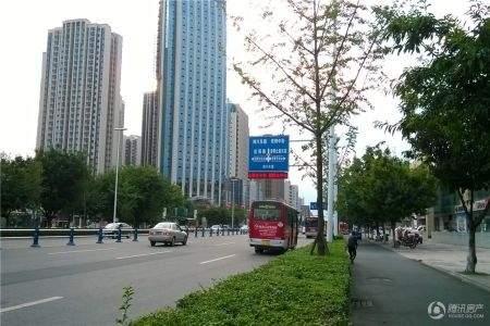 中元广场商铺实景图