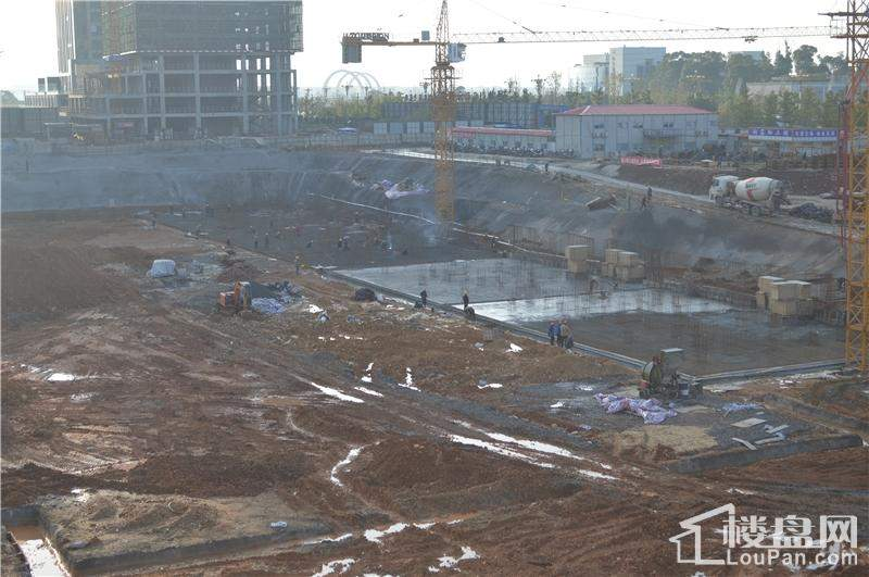 正在建设的5#楼和7#楼
