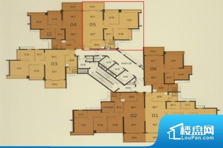 整个空间方正,拐角少,后期利用难度低,提升整个空间的利用率。无对外窗户,通风采光较差,卫生间湿气会加重,不利于身体健康。整个户型空间布局合理,真正做到了干湿分离、动静分离,方便后期生活。客厅、卧室、卫生间和厨房等主要功能间尺寸以及比例合适,方便采光、通风,后期居住方便。公摊相对合理,一般房子公摊基本都在此范畴。日常使用基本满足。