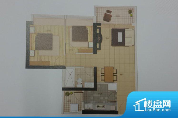 整个空间方正,拐角少,后期利用难度低,提升整个空间的利用率。整个空间采光很好,主卧和客厅均能够保证很好的采光;并且能真正做到全明通透,整个空间空气好。卫生间朝向卧室,产生的气味对卧室有影响。客厅、卧室、卫生间和厨房等主要功能间尺寸以及比例合适,方便采光、通风,后期居住方便。公摊相对合理,一般房子公摊基本都在此范畴。日常使用基本满足。
