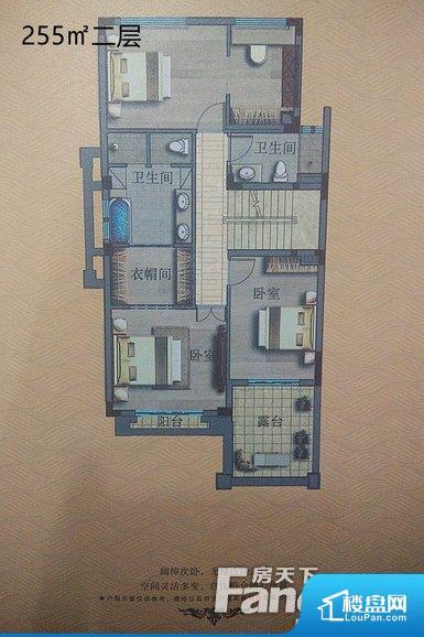 整个空间方正,拐角少,后期利用难度低,提升整个空间的利用率。全明通透的户型,居住舒适度较高。整个空间有充足的采光,这一点对于后期居住,尤其重要。厨卫等重要的使用较为频繁的空间布局合理,方便使用,并且能够保证整个空间的空气质量。客厅、卧室、卫生间和厨房等主要功能间尺寸以及比例合适,方便采光、通风,后期居住方便。公摊低于15%,得房率高;但是由于公摊太低,小区内基本设施可能很难保证。
