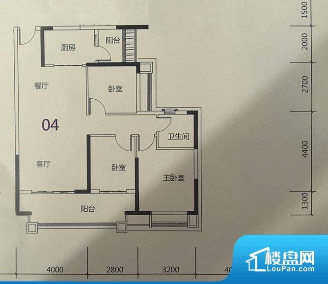 各个空间方正,后期空间利用率高。整个空间不够通透,不利于空气流通,尤其是夏天会比较热。卧室位置合理,能够保证足够安静,客厅的声音不会影响卧室的休息;卫生间位置合理,使用起来动线比较合理;厨房位于门口,方便使用和油烟的排出。客厅、卧室、卫生间和厨房等主要功能间尺寸以及比例合适,方便采光、通风,后期居住方便。公摊低于15%,得房率高;但是由于公摊太低,小区内基本设施可能很难保证。
